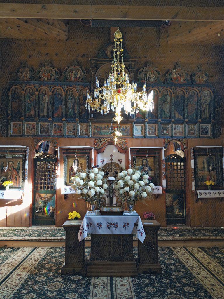 Lvov, kostel s krásným ikonostasem