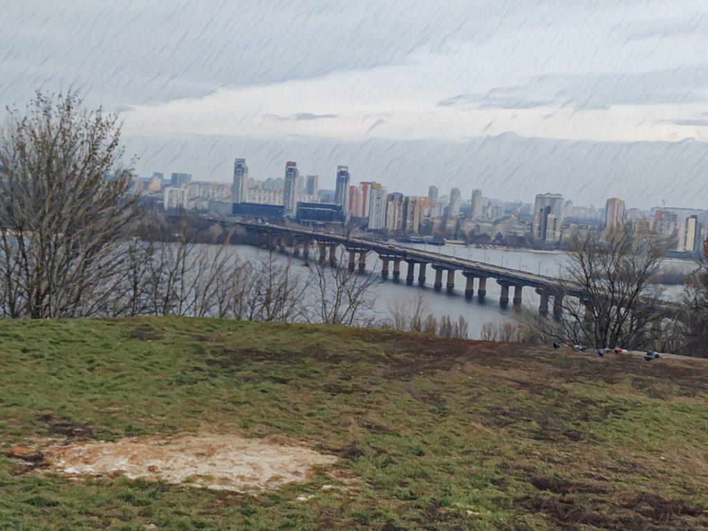 Výhled na Kyjev od sochy Matka Vlast